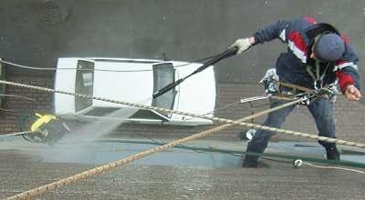 Миття фасадів та вікон в Франківську
